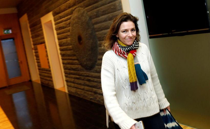 Rósa Björk Brynjólfsdóttir þingmaður VG mætir til fundar í Alþingshúsinu ...