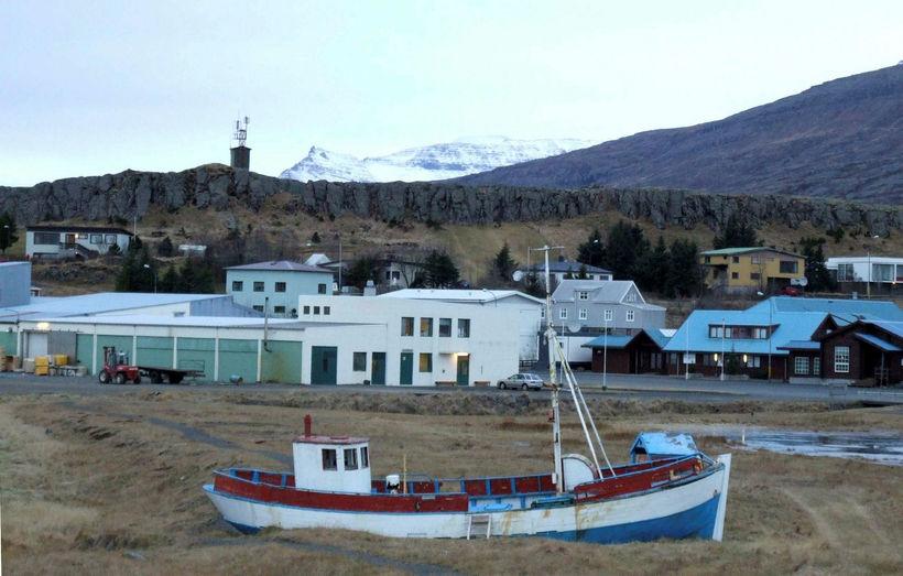 Breiðdalsvík. Hrafnkell segir ljósið hafa virst, þeim sem voru í ...