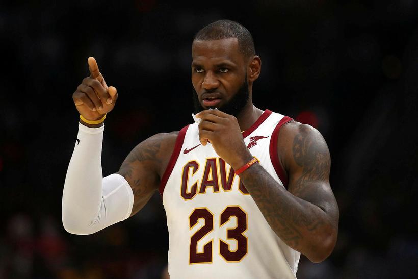LeBron James átti stórleik fyrir Cleveland Cavaliers þegar liðið hafði ...