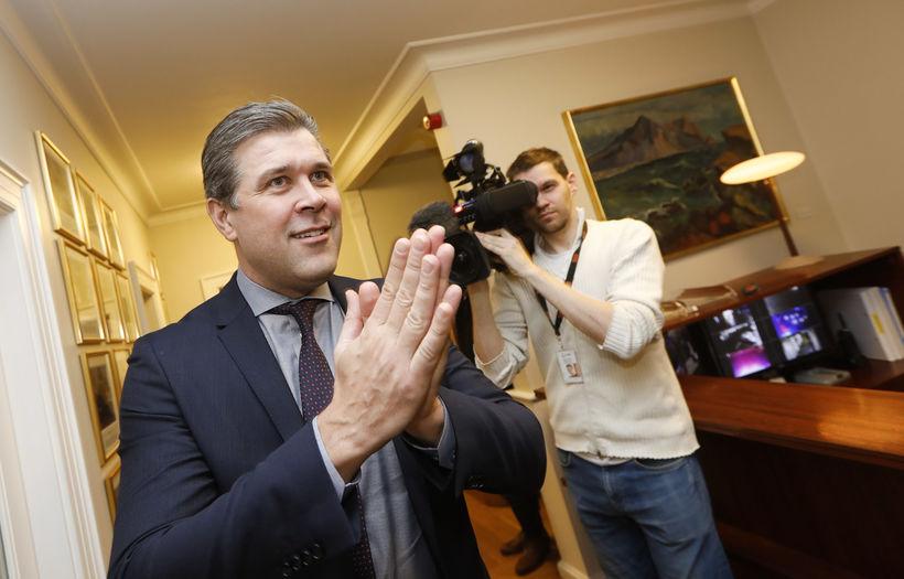 Bjarni Benediktsson leaving the Prime Ministry this morning.