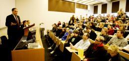 Frá fyrirlestri Dr. Rubin í Háskóla íslands í dag.