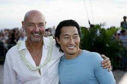 Leikararnir Terry O'Quinn og Daniel Dae Kim voru kátir þegar ...