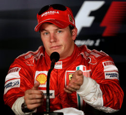 Räikkönen var ekki alveg sáttur við Hamilton.