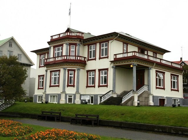 Fríkirkjuvegur 11, sem Thor Jensen lét reisa á árunum 1907 ...