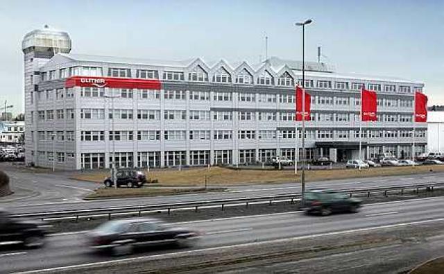Íslandsbanki stendur meðal annars við Kirkjusand í Reykjavík.
