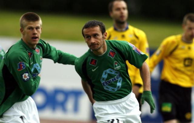 Nenad Zivanovic fagnar eftir að hafa skorað gegn ÍA í ...