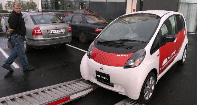 Mitsubishi i MiEV rafbíllinn.