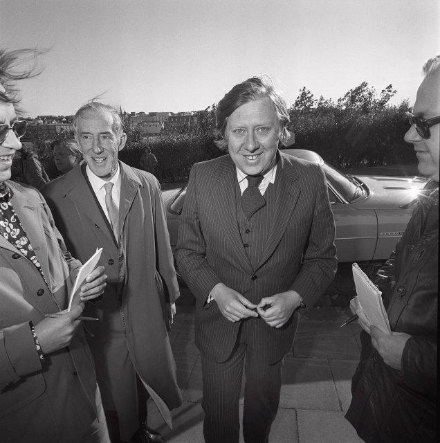 Roy Hattersley kemur til fundar í Ráðherrabústaðnum árið 1975.
