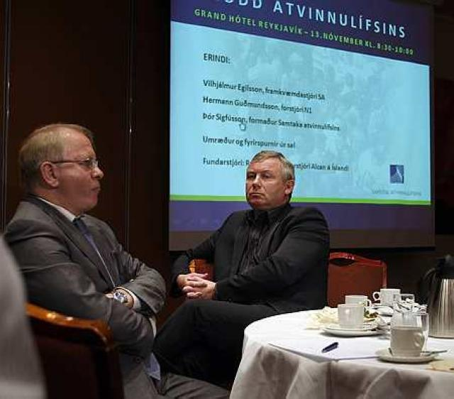 Frá ráðstefnu Samtaka atvinnulífsins, Vilhjálmur Egilsson og Hermann Guðmundsson voru ...
