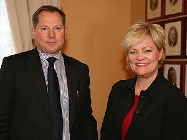Svein Harald Øygard og Kristin Halvorsen, fjármálaráðherra Noregs.