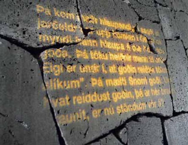 Stjórnarskráin er ekki meitluð í stein og hún hefur tekið ...
