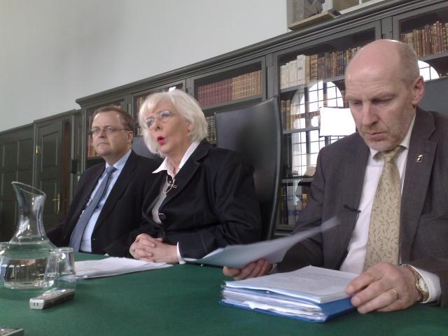 Gylfi Magnússon, Jóhanna Sigurðardóttir og Steingrímur J. Sigfússon.
