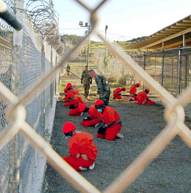 Öldungadeild Bandaríkjanna er ekki á því að loka Guantanamo fangabúðunum ...