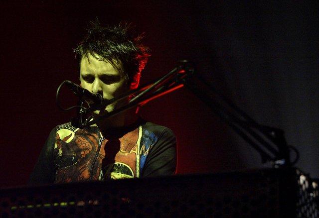 Muse hélt tónleika í Laugardalshöll í desember árið 2003. Hér ...