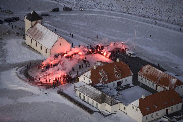 Andstæðingar fyrri samningsins skora á forsetann að hafna honum.