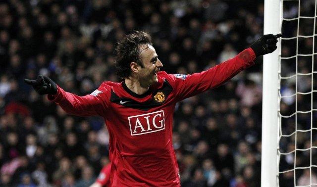Dimitar Berbatov fagnar marki fyrir Manchester United.