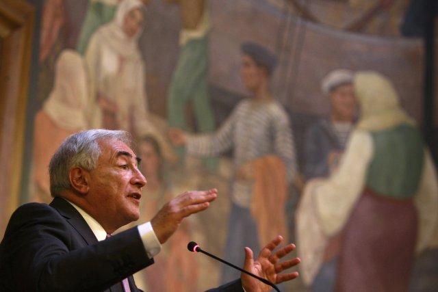 Dominique Strauss-Kahn í Rúmeníu í dag.