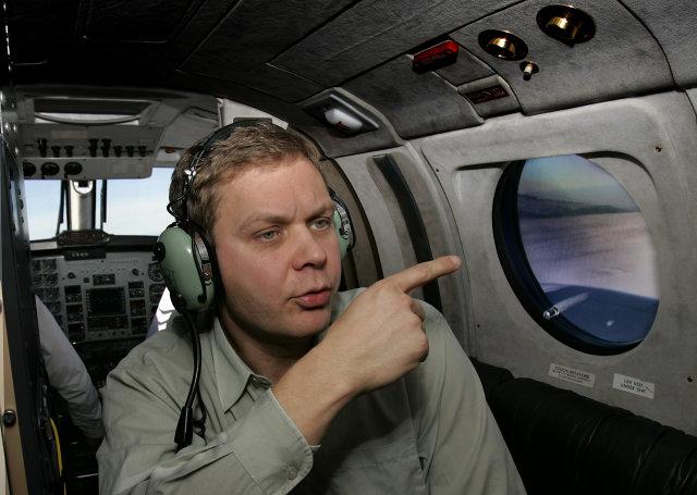 Magnús Tumi Guðmundsson í eftirlitsflugi yfir Mýrdalsjökli.