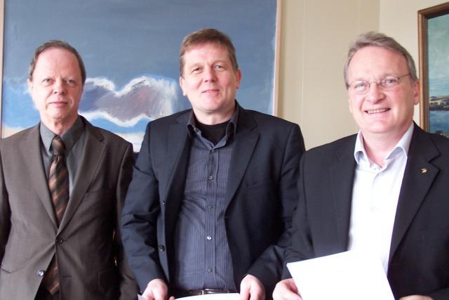 Arnþór Halldórsson, stjórnarformaður Titan Global, Bjarki Jóhannesson sviðsstjóri skipulags- og ...