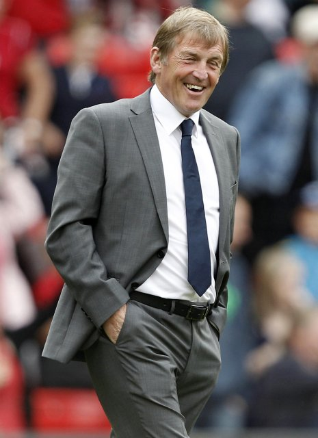 Kenny Dalglish tekur við Liverpool á ný.