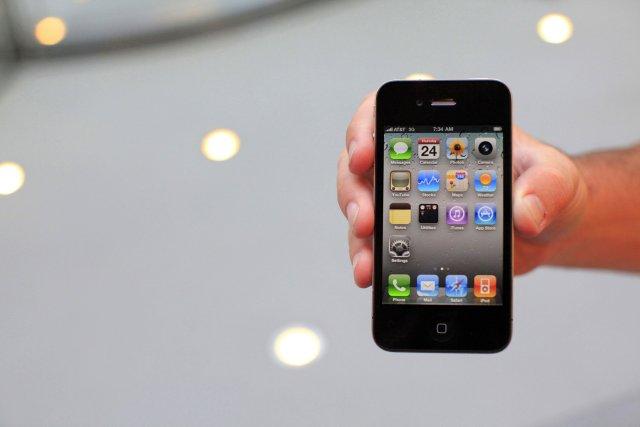 Sala á iPhone 4 hófst í síðustu viku.