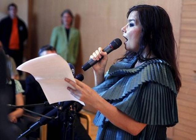 Björk Guðmundsdóttir á blaðamannafundinum í dag.