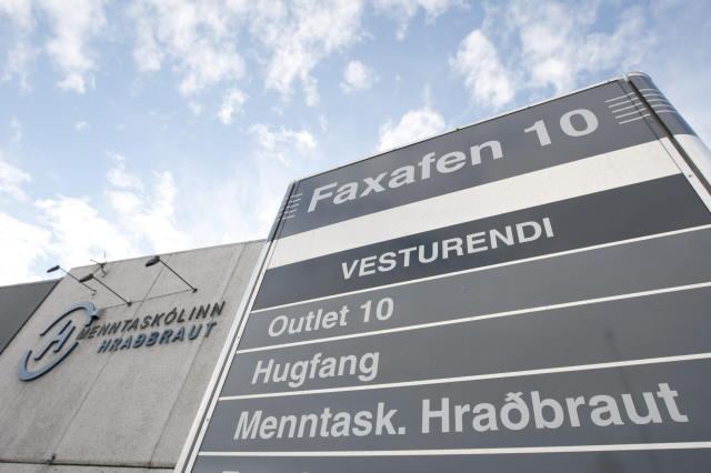 Menntaskólinn Hraðbraut er til húsa í Faxafeni.