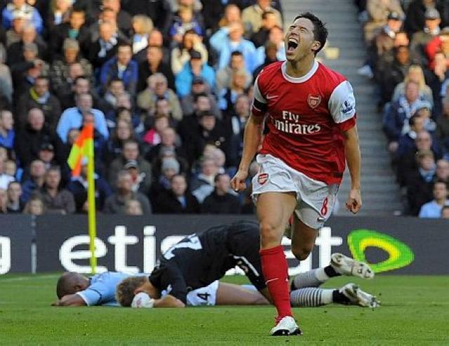 Samir Nasri kom Arsenal í 1:0.