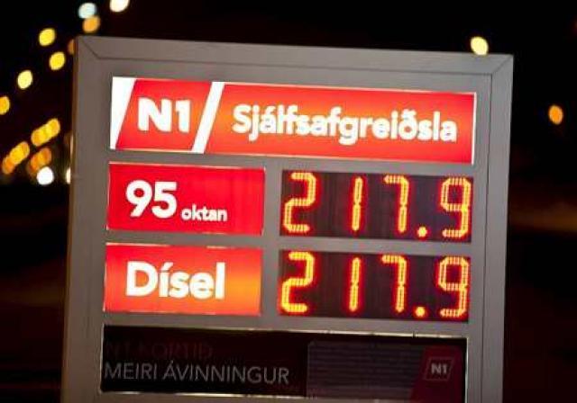Tölurnar á bensínstöðvunum hafa aldrei verið hærri, eftir að N1 ...