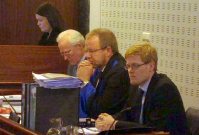 Baldur Guðlaugsson ásamt lögmönnum sínum í Héraðsdómi Reykjavíkur.