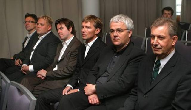 Stjórn FL Group árið 2005: Kevin Stanford varamaður, Magnús Ármann, ...