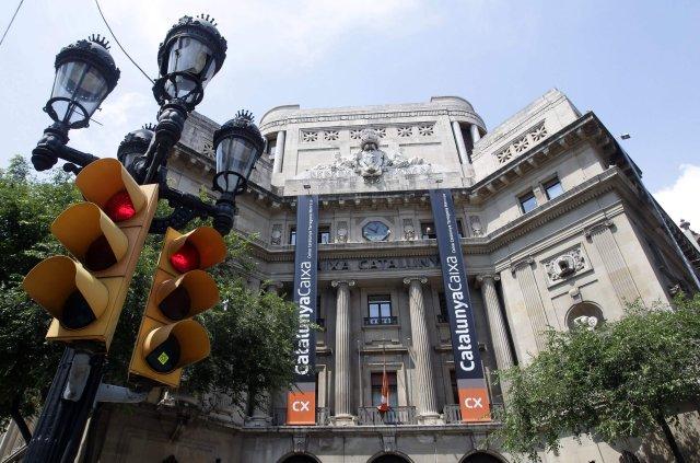 Spænski bankinn Catalunya Caixa er einn þeirra átta banka sem ...
