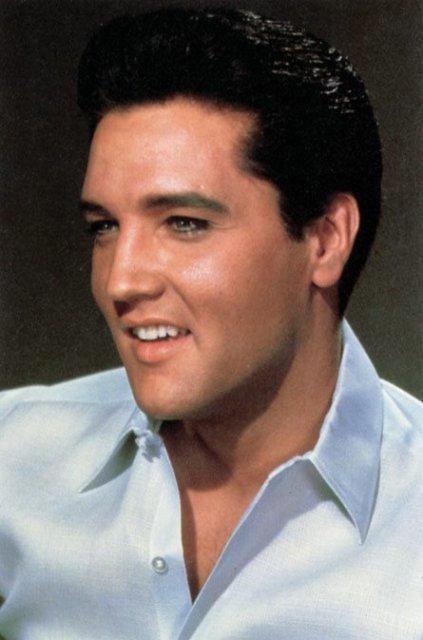 Loksins er leyfilegt að nefna son sinn Elvis Aaron.