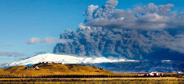 Margar eldstöðvar eru á Suðurlandi og hugmyndin að eldfjallamiðstöðinni kviknaði ...