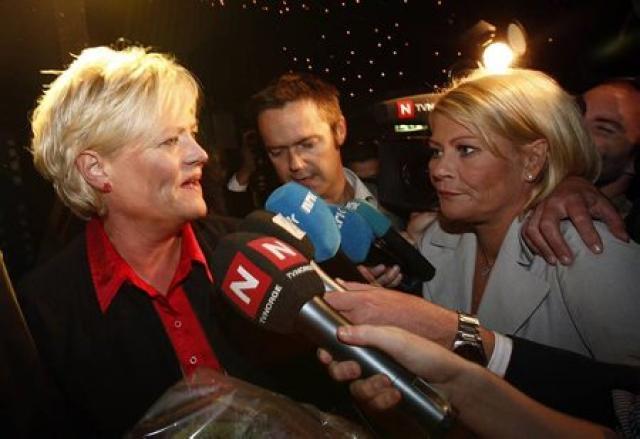 Kristin Halvorsen, leiðtogi Sósíaliska vinstriflokksins og fjármálaráðherra Noregs, ræðir við ...