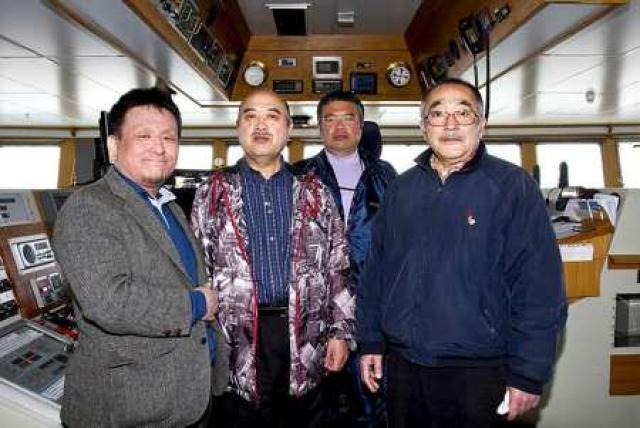 Japanir í íslenskum togara, f.v. Naohiko Akimoto, Kenji Soejima, Tadatoshi ...