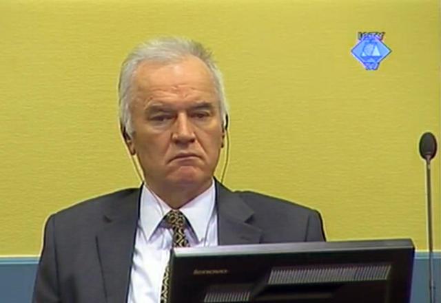 Ratko Mladic, fyrrverandi hershöfðingi í her Bosníumanna, við réttarhöldin sem ...