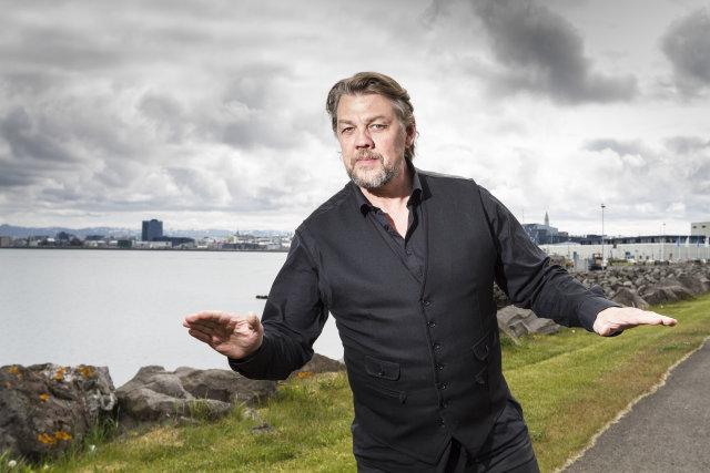 Helgi Björnsson.