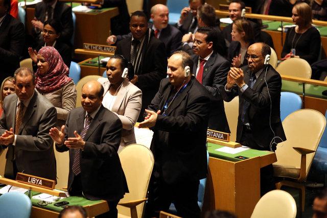 Sumir klöppuðu eftir ræðu Mahmoud Abbas á allsherjarþingi Sameinuðu þjóðanna ...