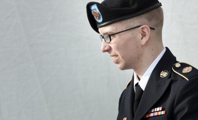 Uppljóstrarinn Chelsea Manning þurfti að dúsa í einangrun í átta ...