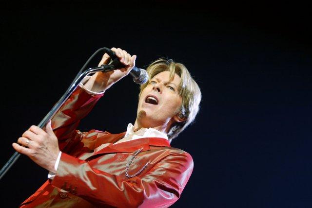 David Bowie á tónleikum 2002.