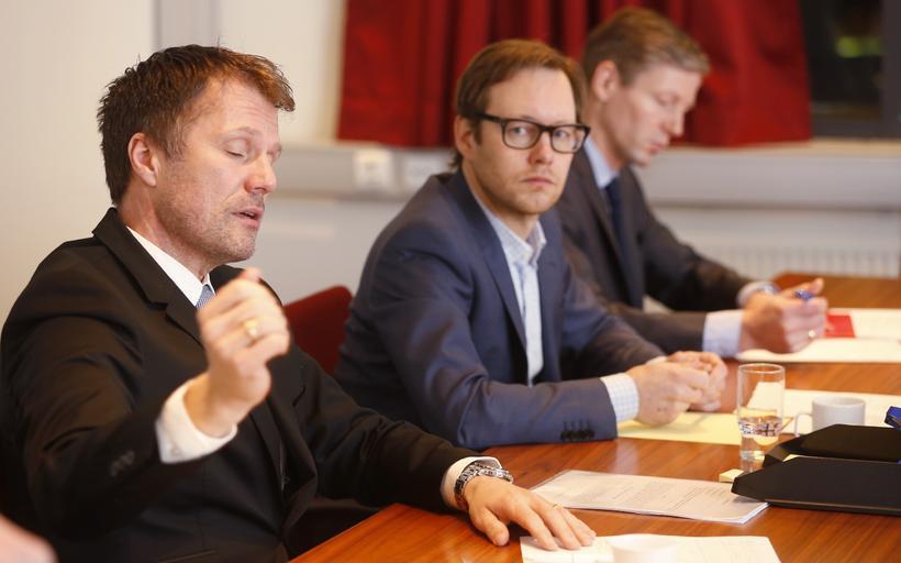 Ómar Svavarsson forstjóri Vodafone og Hrannar Pétursson upplýsingafulltrúi Vodafone mættu ...