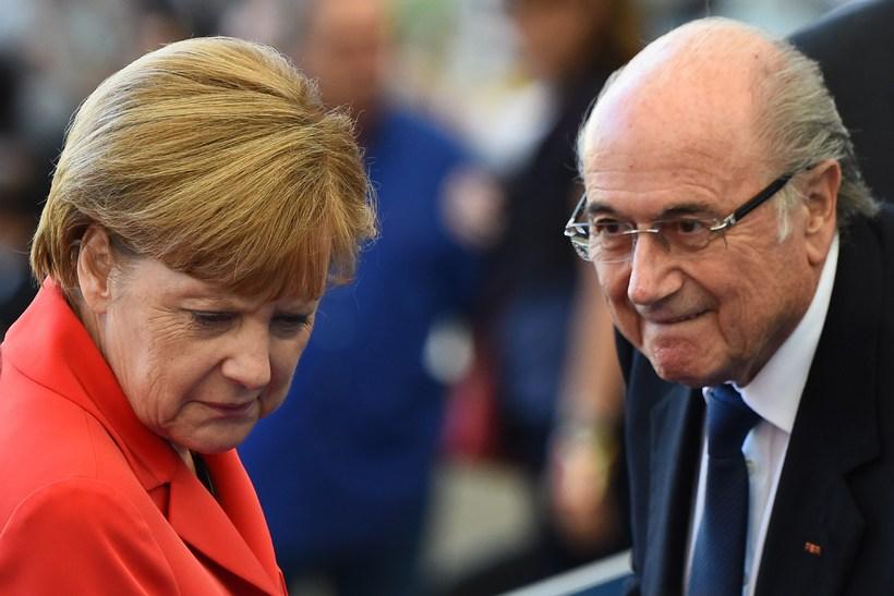 Angela Merkel og Joseph Blatter.
