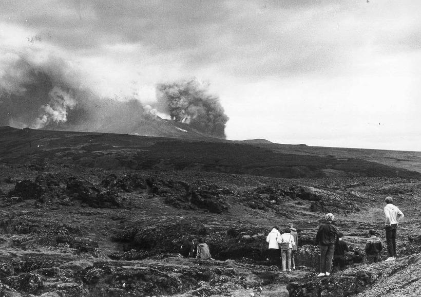 í Heklugosinu 1980 munaði litlu að flugvél lenti inni í ...