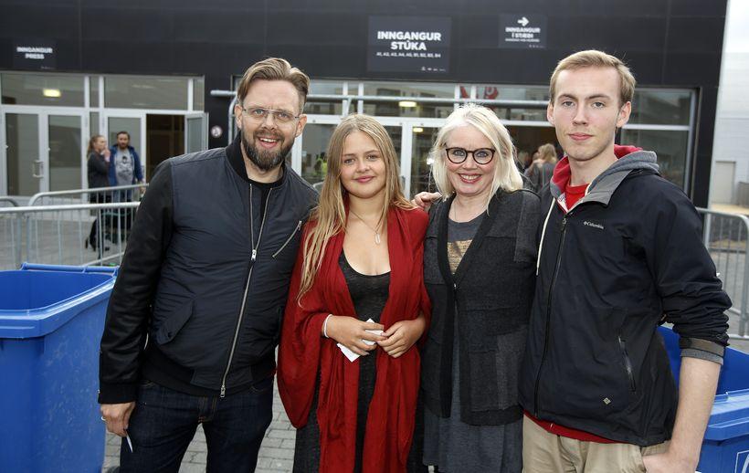 Elías Guðmundsson, Aþena Elíasdóttir, Sólveig Eiríksdóttir og Eiríkur Eiríksson.