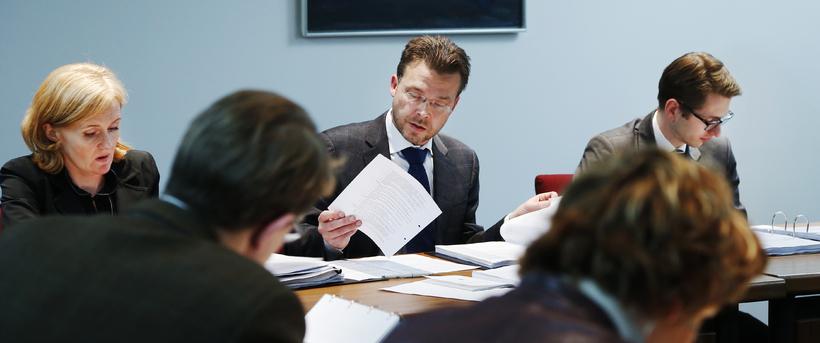 Páll Þórhallsson, sem sést hér fyrir miðju, er nýr formaður ...
