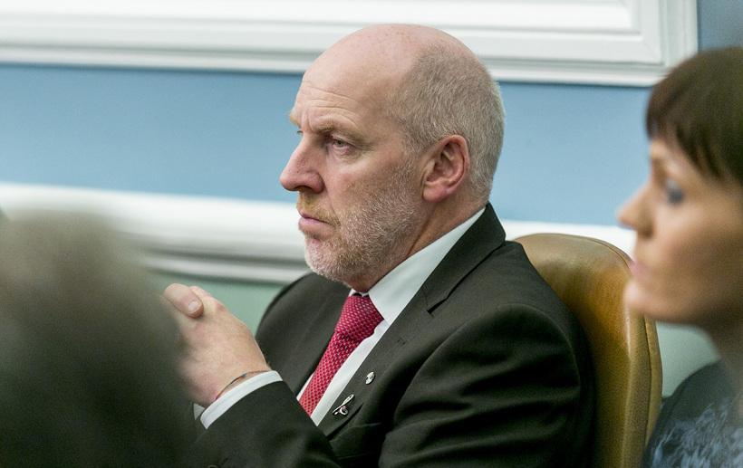Brynjar segir að upplýsingar um lífeyriseignir Jóhönnu og Steingríms hefðu ...