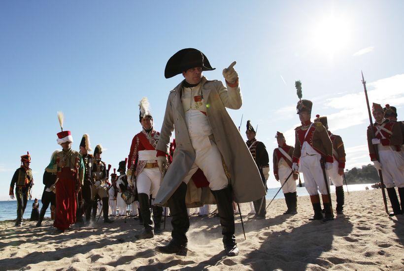 Líkt var nýlega eftir landtöku Napoleons 1815 í Suður-Frakklandi og ...