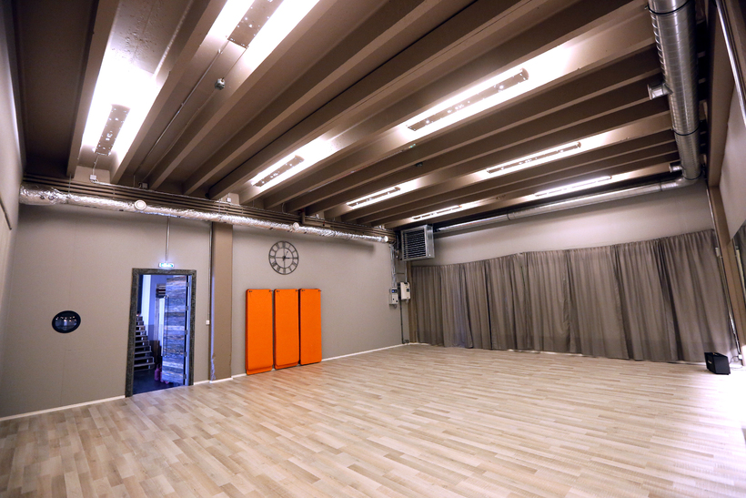 Sólir offers two practice rooms and over thirty classes per ...