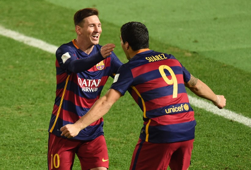 Lionel Messi og Luis Suárez fagna marki.